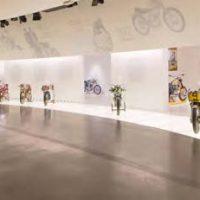 Voyage-moto-Monsieur-Pingouin-Ducati-musee